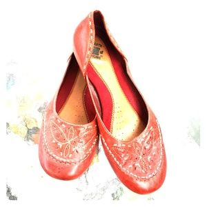 EARTH ORIGINS RED LEATHER LOAFERS